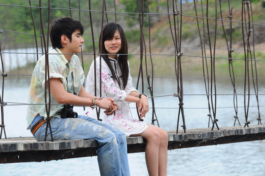 Movie Review: Crazy Little Thing Called Love (2010)